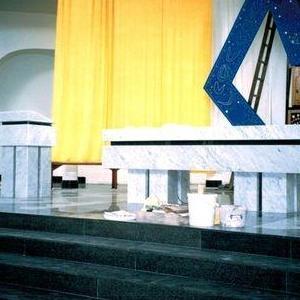 wnętrze kościoła 01